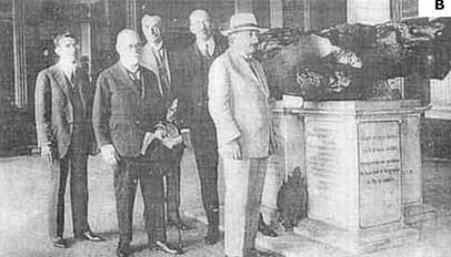 Figura-2-Fotos-do-meteorito-Bendego-no-Museu-Nacional-Rio-de-Janeiro-A-Sr-Jose